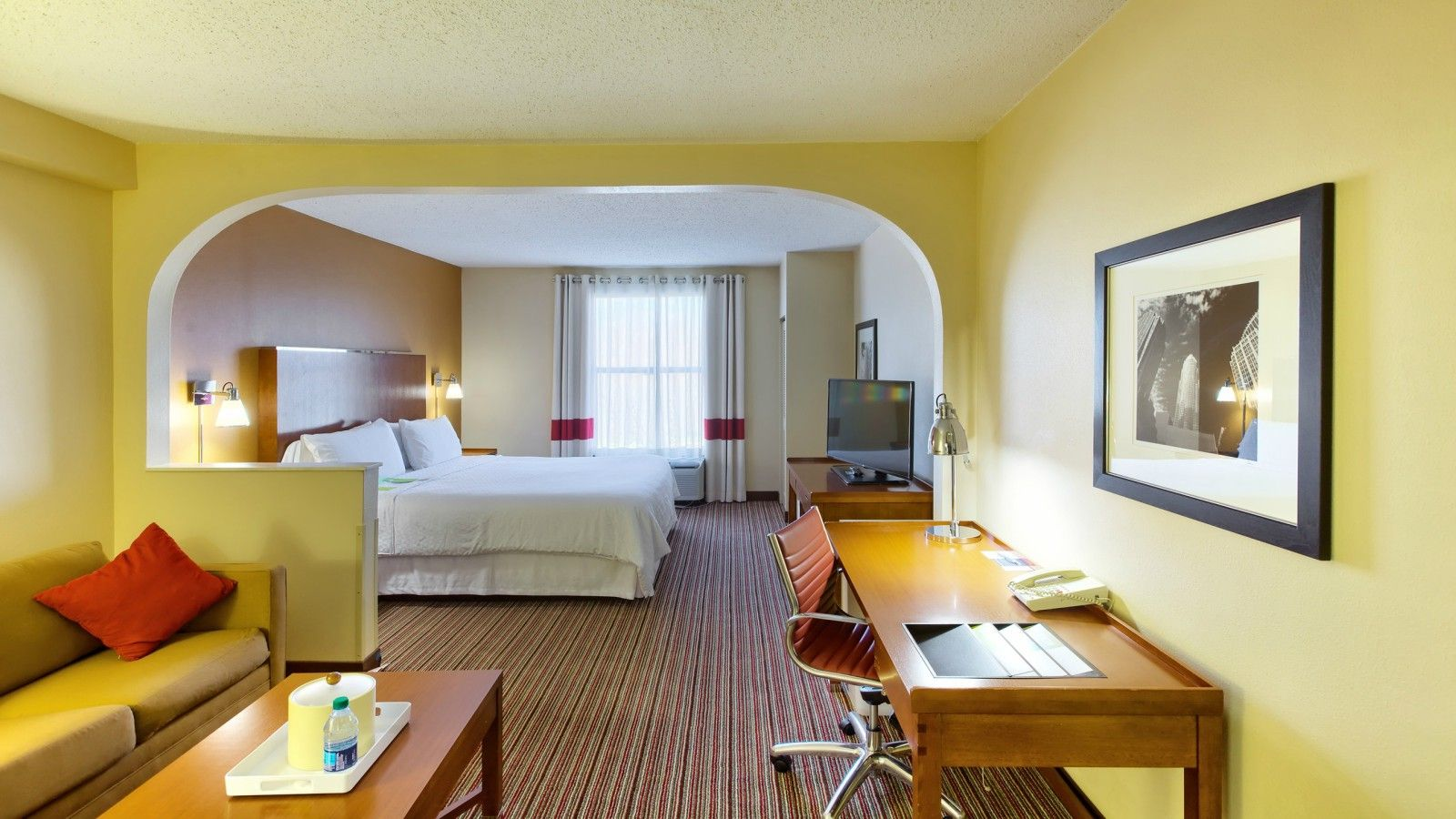 Charlotte Accommodations - Junior Suite